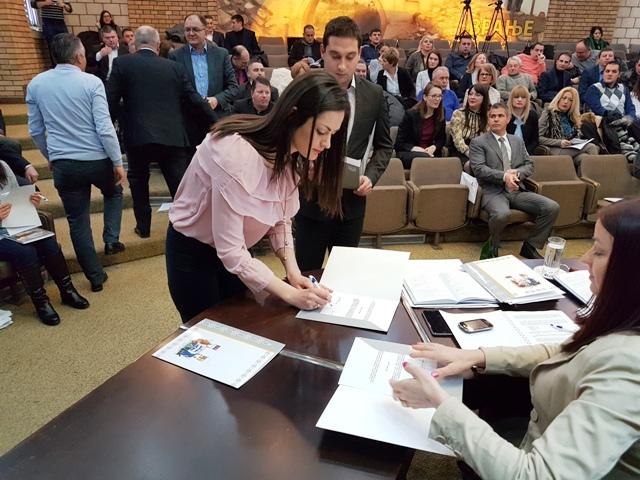 Novi odbornici. Foto Vranjenews
