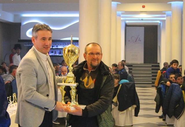 Kristijan Stošić je na pripremama sa reprezentacijom, pa nije mogao lično da primi nagradu. Foto VranjeNews