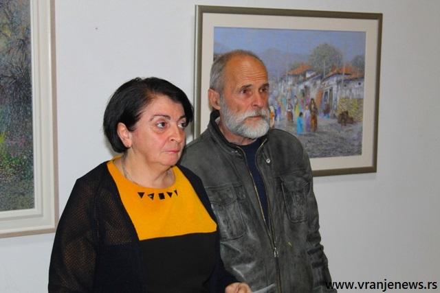 Dvokomponentna izložba - crteži i ulja na platnu: Mirjana Jovanović i Dragan Stojanović Šutil. Foto VranjeNews