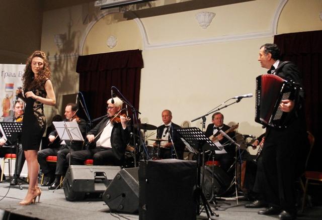 Pevačka nada Vranja Tijana Vučković oduševila publiku. Foto VranjeNews